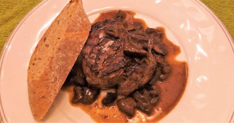 Steak s houbovo-balsamikovou omáčkou